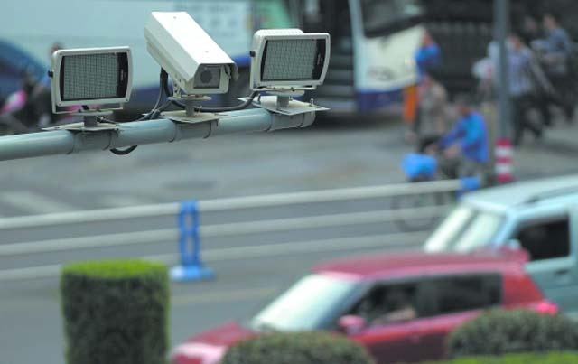 南京将新增100套公交移动抓拍电子监控设备