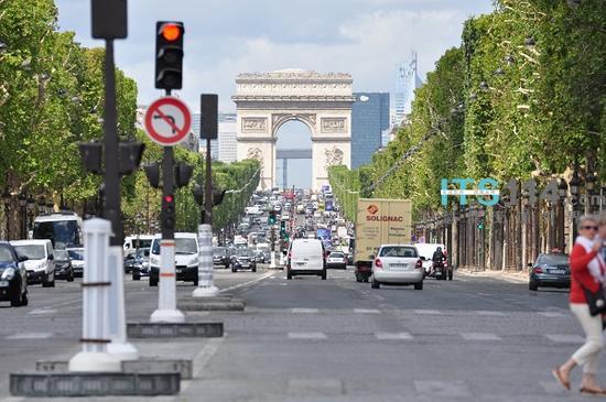巴黎拟通过拆除红绿灯解决交通拥堵、道路安全问题
