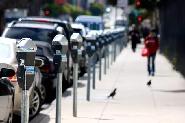 北京交委:2019年将实现路边停车电子收费全覆盖