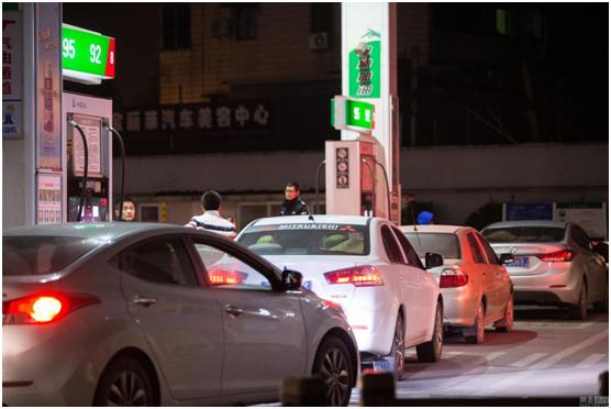 全自动加油站都要来了?威盛引领未来的加油机新潮流!