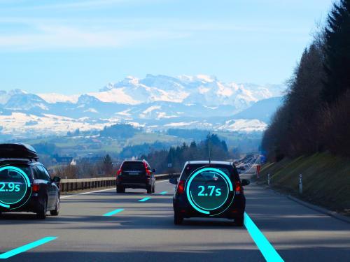 ADAS成标配 全球车载摄像头市场迎风口