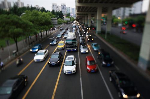 """智能交通管控 畅通城市""""血脉"""""""