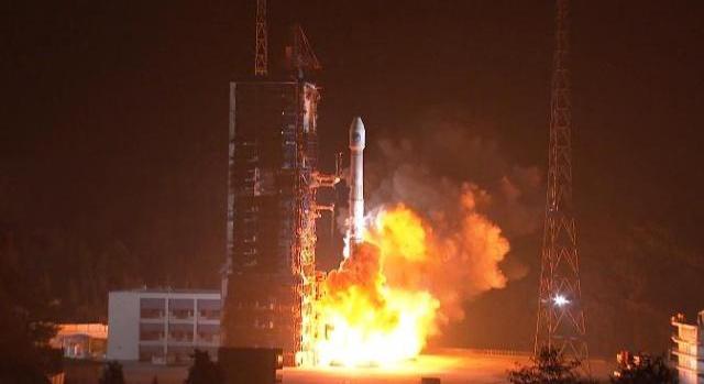 我国成功发射第四十二、四十三颗北斗导航卫星