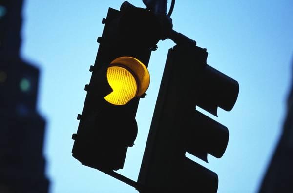 杭州59个高架匝道信号灯,以AI之名倡导自配自控之能