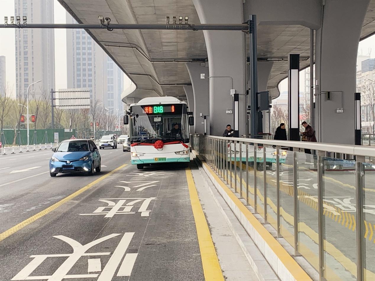"""史上最""""硬核""""的BRT站台来了!快来看看这里都有哪些""""秘密武器""""?"""