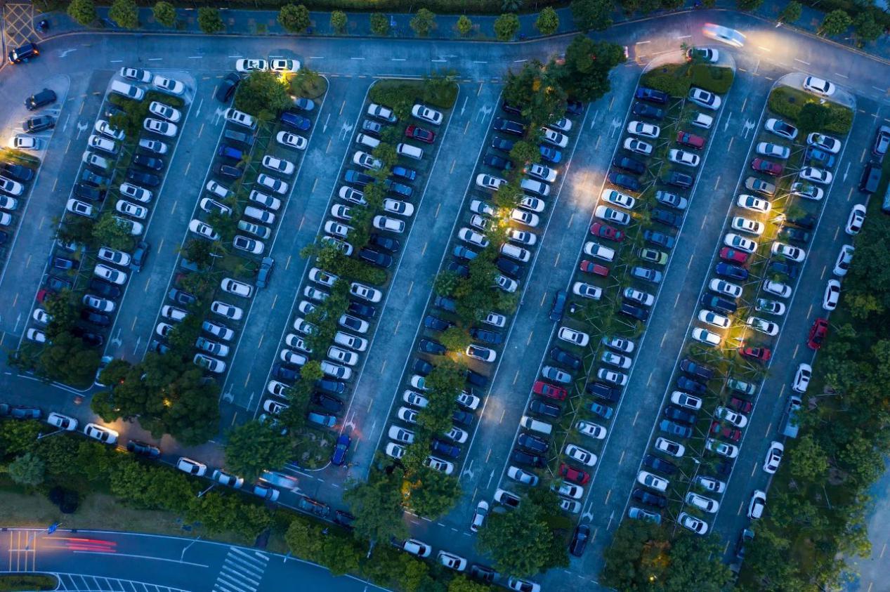"""破局""""停车难"""":城市停车场得加油建,智慧停车方案也要跟上"""