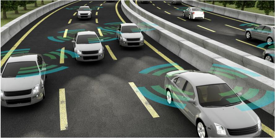 工信部:加快智能网联汽车基础设施建设
